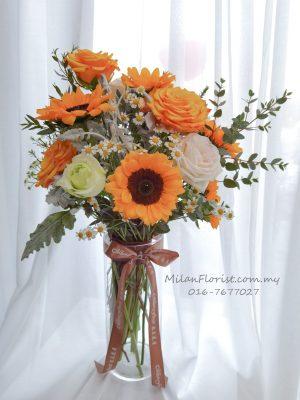 Milan Vase Flower Arrangement, Vase Flower Arrangement, 米兰玻璃瓶花艺, 玻璃花艺, 花瓶花艺JB FLORIST,JOHOR FLORIST JOHOR BAHRU FLORIST MOUNT AUSTIN FLORIST SKUDAI FLORIST NUSAJAYA FLORIST MALAYSIA FLORIST KSL FLORIST TOPPEN FLORIST PARADIGM FLORIST MIDVALLEY SOUTHKEY FLORIST CITY SQUARE FLORIST 新山花店 柔佛花店 皇后花店 马来西亚花店 开张花篮 开幕花篮 开业花篮 乔迁之喜 生意兴隆 大展宏图 鲜花 假花 Kedai bunga johor bahru
