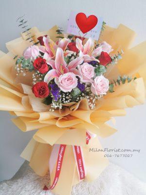 百合花束,Lily bouquet,Fresh Lily Flower,百合鲜花,百合花,JOHOR FLORIST JOHOR BAHRU FLORIST MOUNT AUSTIN FLORIST SKUDAI FLORIST NUSAJAYA FLORIST MALAYSIA FLORIST KSL FLORIST TOPPEN FLORIST PARADIGM FLORIST MIDVALLEY SOUTHKEY FLORIST CITY SQUARE FLORIST 新山花店 柔佛花店 皇后花店 马来西亚花店 开张花篮 开幕花篮