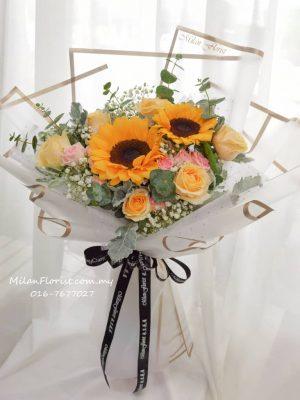 向日葵,Sun Flower,鲜花,向日葵花束,Sun Flower Bouquet JB FLORIST,JOHOR FLORIST JOHOR BAHRU FLORIST MOUNT AUSTIN FLORIST SKUDAI FLORIST NUSAJAYA FLORIST MALAYSIA FLORIST KSL FLORIST TOPPEN FLORIST PARADIGM FLORIST MIDVALLEY SOUTHKEY FLORIST CITY SQUARE FLORIST 新山花店 柔佛花店 皇后花店 马来西亚花店 开张花篮 开幕花篮 开业花篮 乔迁之喜 生意兴隆 大展宏图 鲜花 假花 Kedai bunga johor bahru