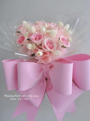 郁金香花束,Tulip bouquet,Fresh Tulip Flower,郁金香鲜花,JOHOR FLORIST JOHOR BAHRU FLORIST MOUNT AUSTIN FLORIST SKUDAI FLORIST NUSAJAYA FLORIST MALAYSIA FLORIST KSL FLORIST TOPPEN FLORIST PARADIGM FLORIST MIDVALLEY SOUTHKEY FLORIST CITY SQUARE FLORIST 新山花店 柔佛花店 皇后花店 马来西亚花店 开张花篮 开幕花篮 开业花篮 乔迁之喜 生意兴隆 大展宏图 鲜花 假花 Kedai bunga johor bahru