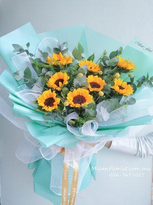 Milan Florist Sunflower Bouuet, 米兰向日葵花束,Sun Flower,鲜花,向日葵花束,Sun Flower Bouquet JB FLORIST,JOHOR FLORIST JOHOR BAHRU FLORIST MOUNT AUSTIN FLORIST SKUDAI FLORIST NUSAJAYA FLORIST MALAYSIA FLORIST KSL FLORIST TOPPEN FLORIST PARADIGM FLORIST MIDVALLEY SOUTHKEY FLORIST CITY SQUARE FLORIST 新山花店 柔佛花店 皇后花店 马来西亚花店 开张花篮 开幕花篮 开业花篮 乔迁之喜 生意兴隆 大展宏图 鲜花 假花 Kedai bunga johor bahru